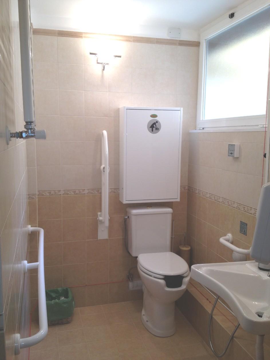 Il bagno per disabili - fasciatoio - STUDIO DENTISTA ...